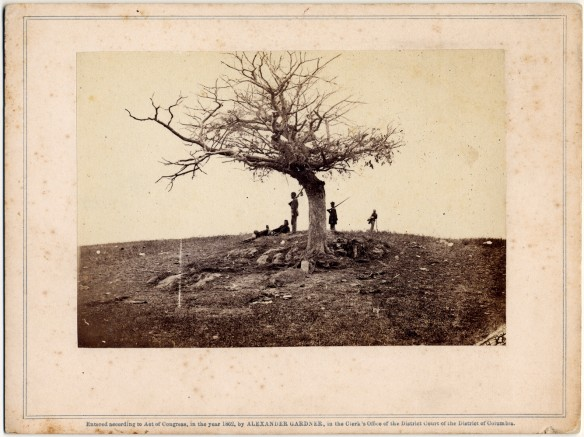 Alexander Gardner, A Lone Grave on Battle-Field of Antietam, 1862.