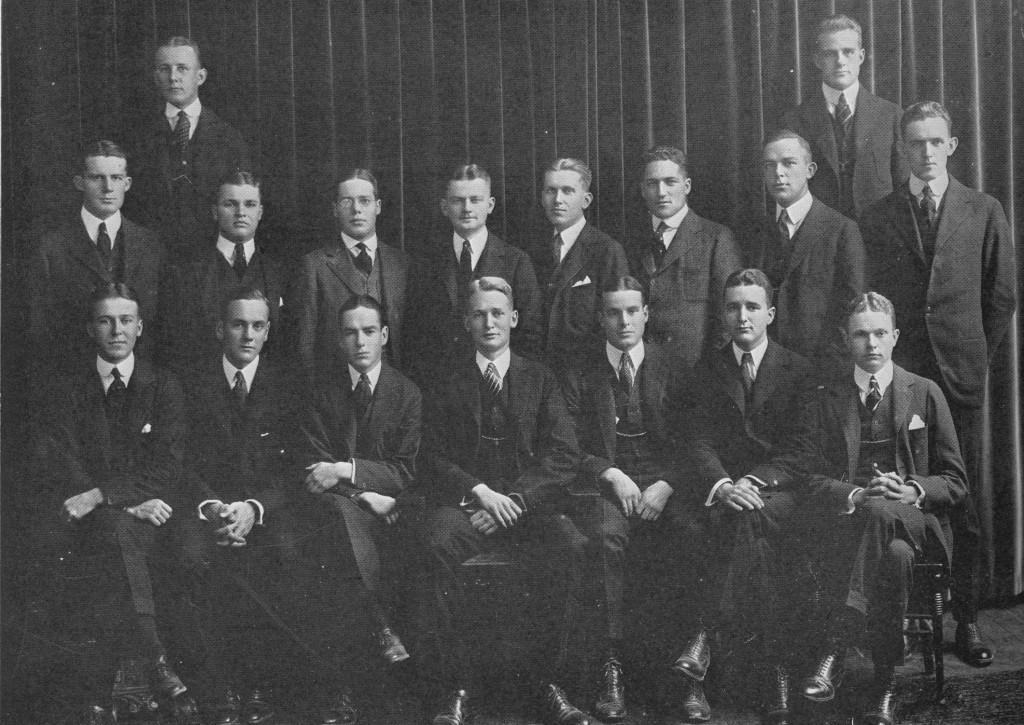 1917_Senior_Council_1918_Bric-a-Brac