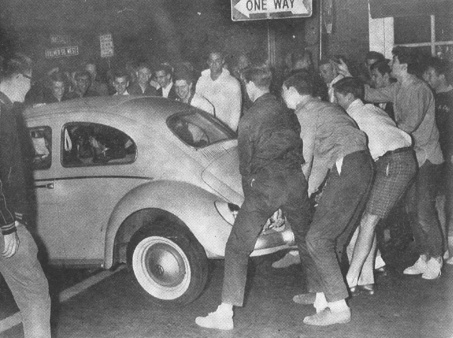 Rioting_students_Prince_7_May_1963