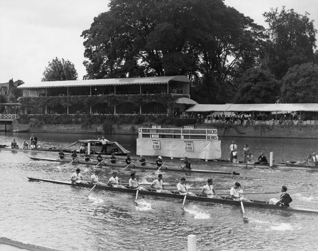 1956_Thames_Cup_Race_AC223_Box_1