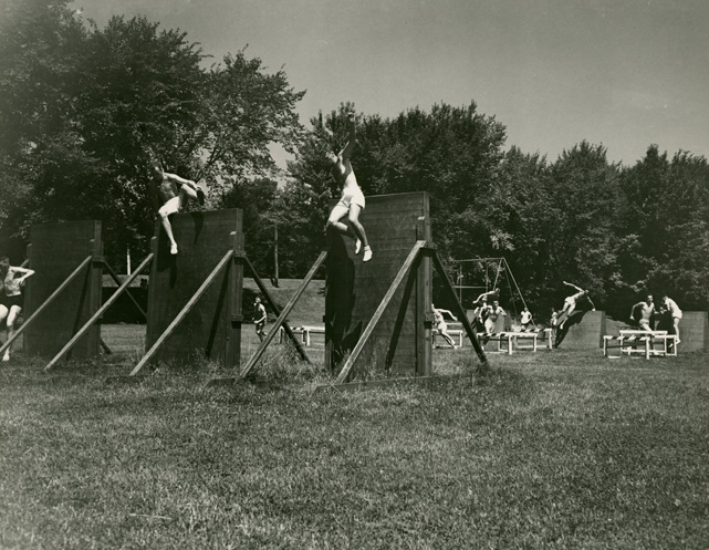 Running_an_obstacle_course_ca_1941-45_AC112_Box_MP214_Image_5630