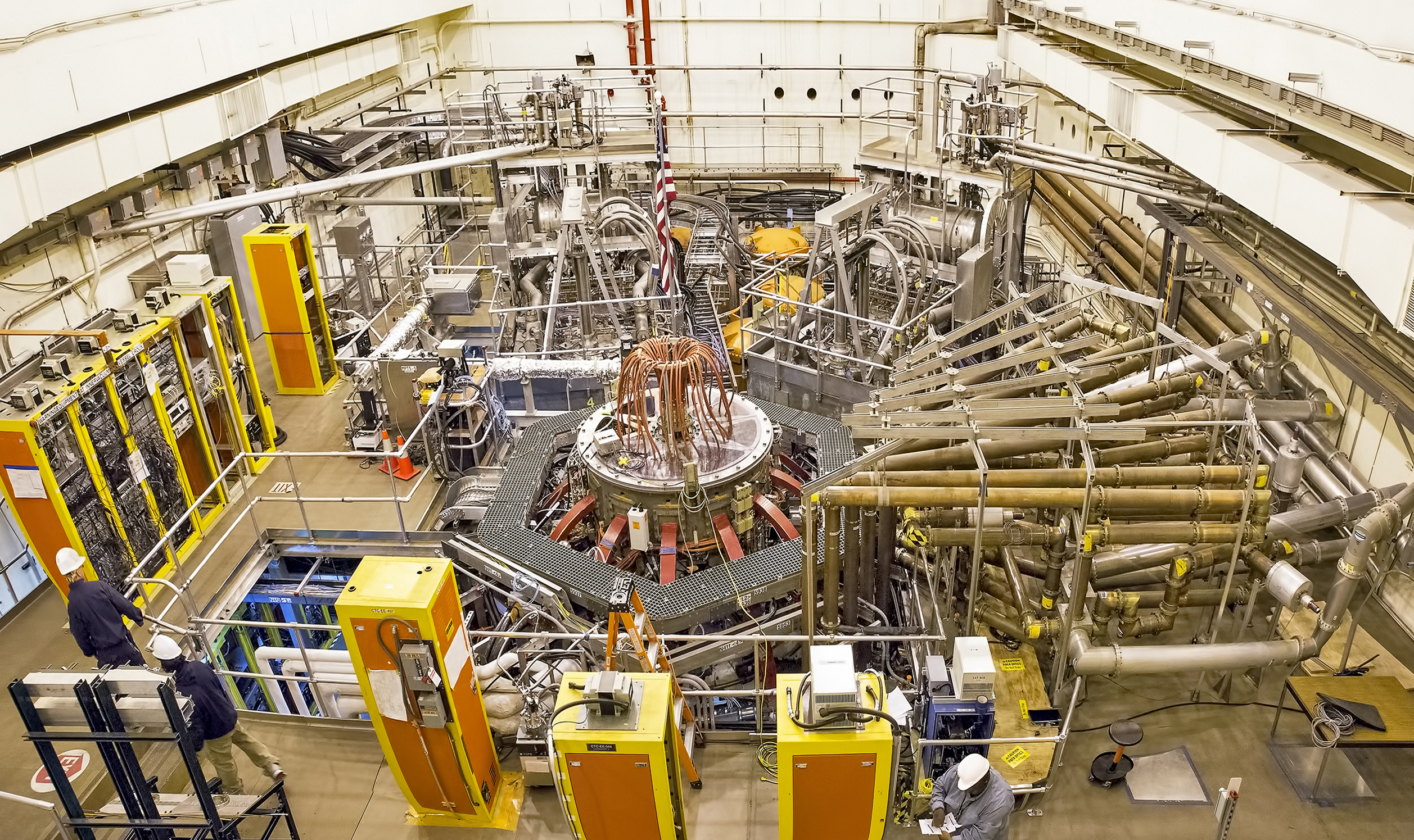 Test cell of the NSTX-U with tokamak in the center (Credit: Princeton Plasma Physics Laboratory)