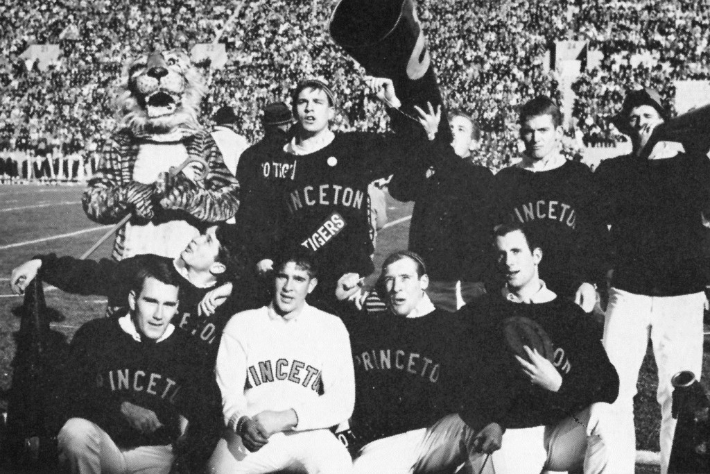 Cheerleading_Squad_1965_Bric